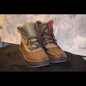 Brown & Green Nike ACG Woodside II GS Boys Size 5